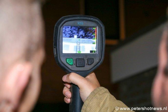 Met warmtebeeldcamera wordt gekeken of er warme sectoren in het dak te vinden zijn.