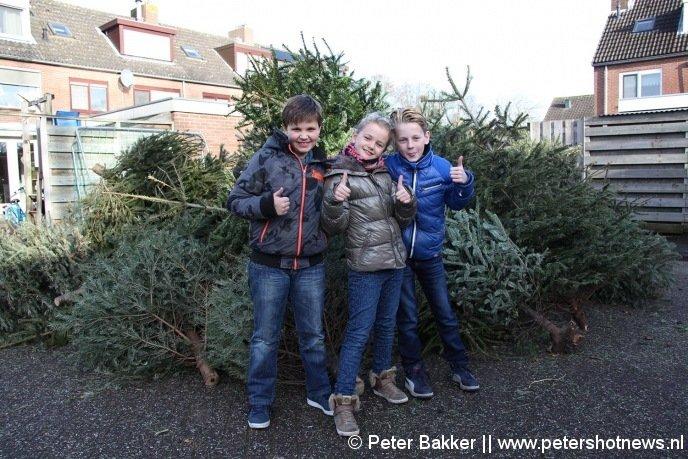 Bas, Loïs en Nyls haalde in Wilnis in 2015 maarliefst 120 bomen op