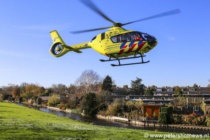 #Mijdrecht - Traumahelikopter, brandweer en ambulances naar Hofland in Mijdrecht.