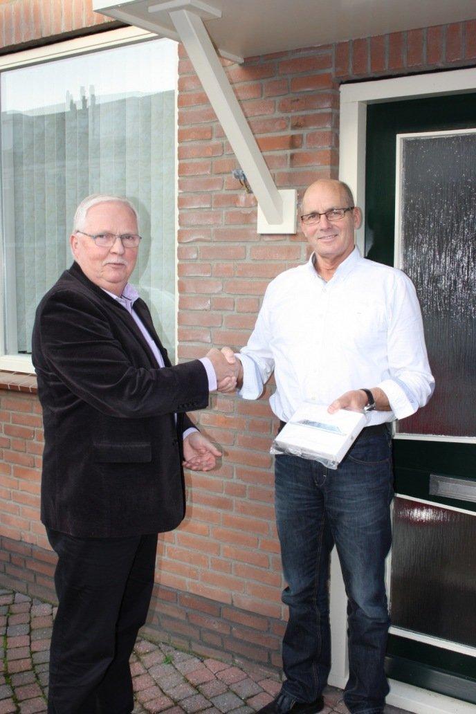 Familie Lakerveld wint iPad mini voor downloaden afvalapp - 0297-online.nl