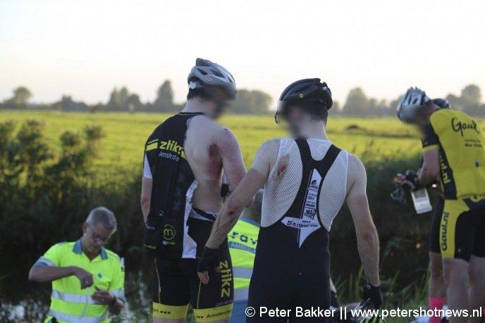 Vier wielrenners liepen schaafwonden op, maar hoefden niet naar het ziekenhuis