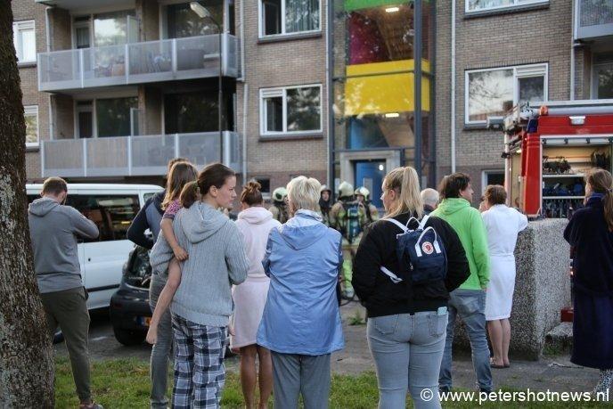 Buurtbewoners vangen andere buurtbewoners op.