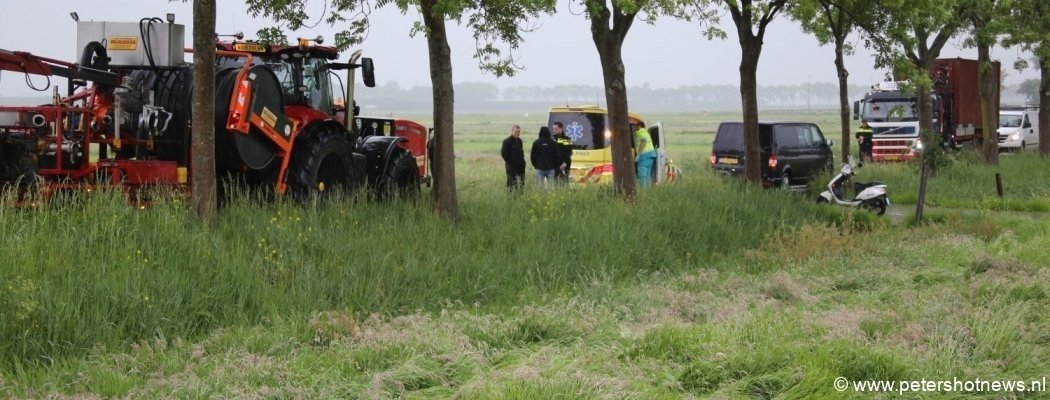 Ongeluk met scooter en tractor in Waverveen